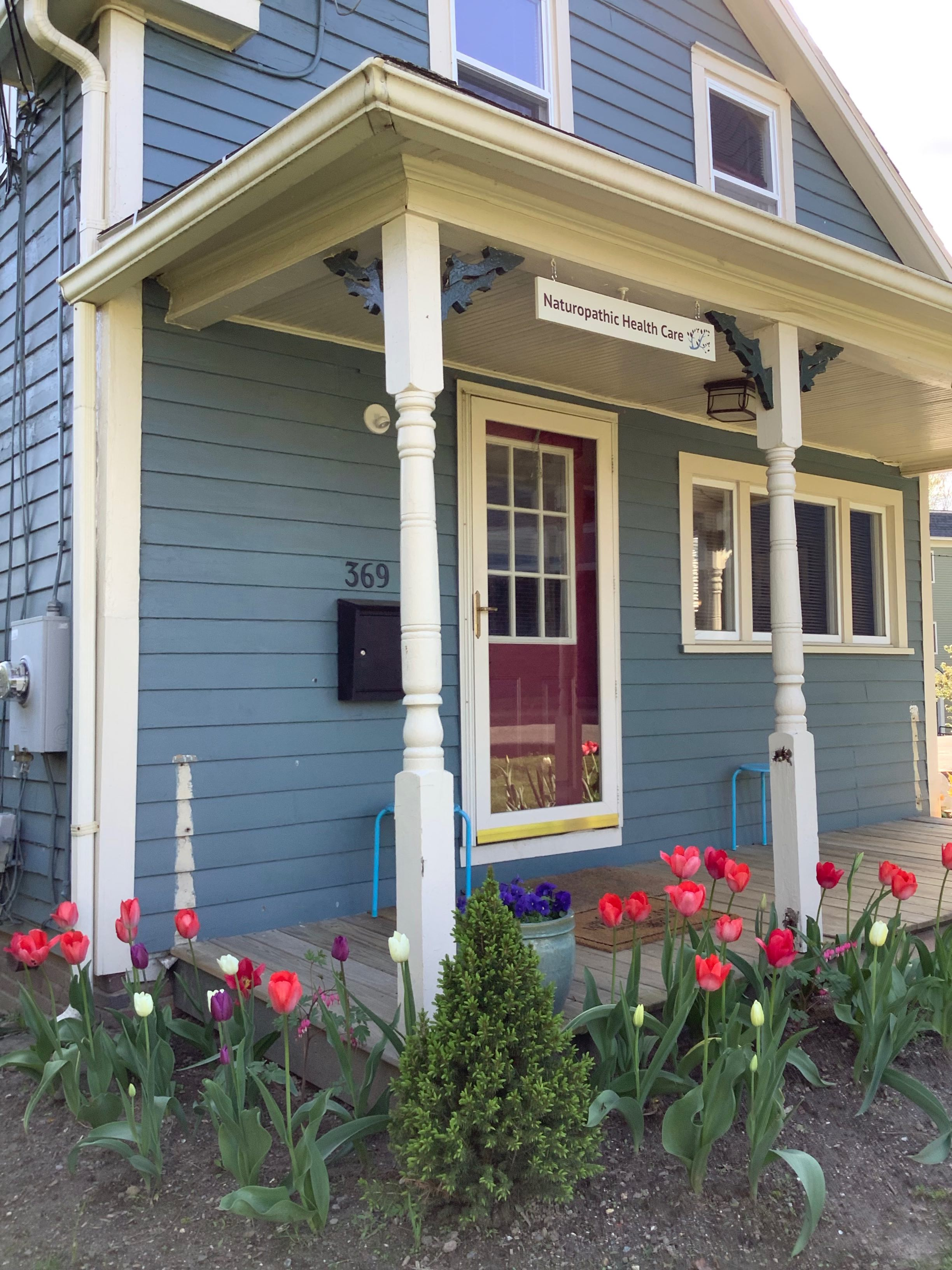 369 Pleasant St w tulips May 2019